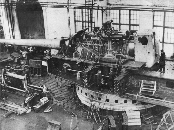 Советская суперпушка Б-37: о пользе производства дорогих и не всегда нужных вещей