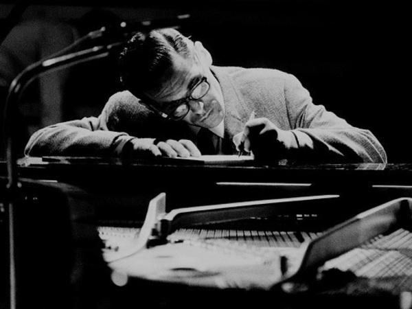 Утонченный Эванс: О джазовом трио легендарного пианиста