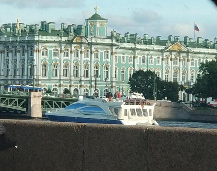 Свидетели: Невский проспект перекрыт вПетербурге