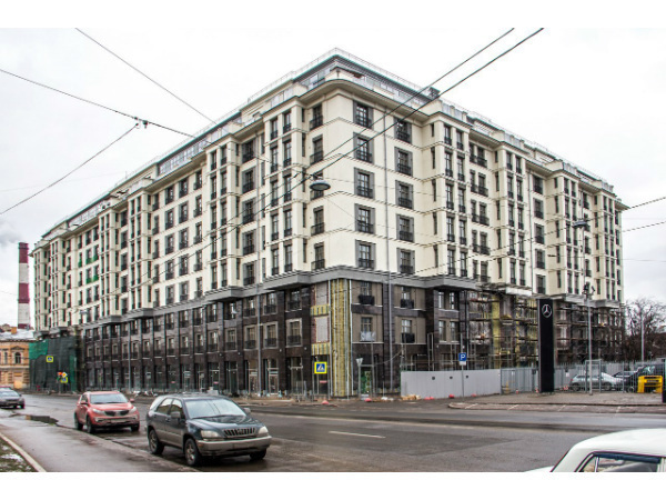 Фасад ЖК «Дипломат» в неоклассическом стиле почти готов