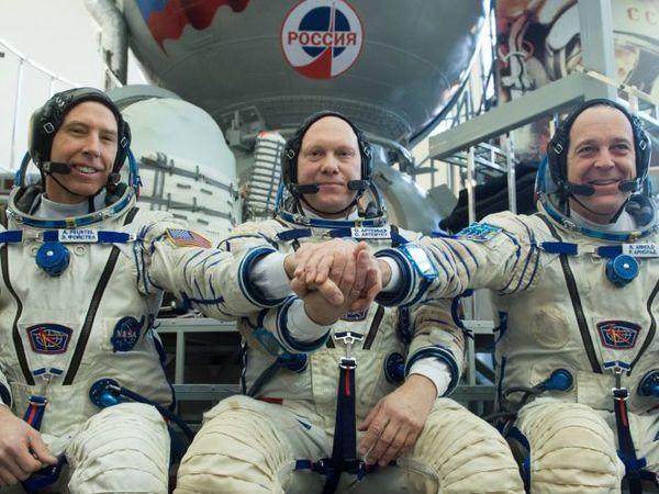Экипажи новой экспедиции на МКС сдали предполётные экзамены