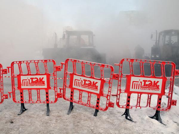 В зоне прорыва на Симонова остывают два здания — насосы не справляются