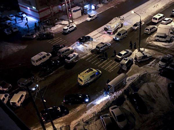 СМИ: При стрельбе в Казани погибли два человека