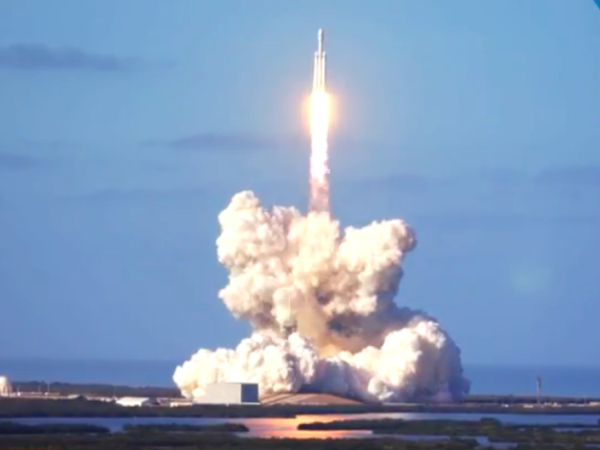 Falcon Heavy Маска полетела к Марсу