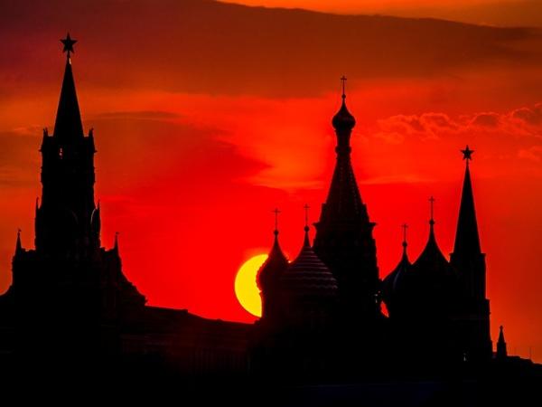 Лев Лурье: Петербург отличается от Москвы, как Шнур от Газманова