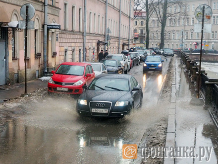 Петербург стал городом тысячи озер. Грязных