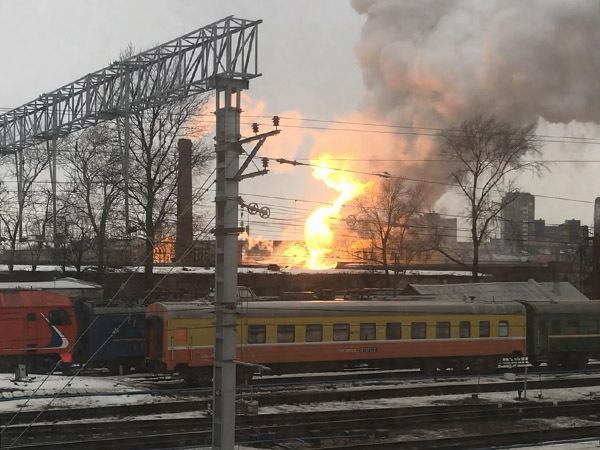 На Балтийской — серьезный пожар в промзоне