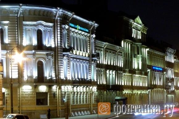Дома на Кутузовской набережной