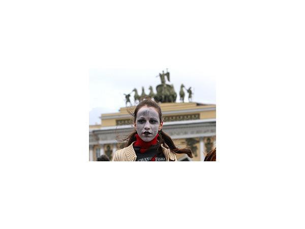 """Зомби"" на Дворцовой станцевали ""Триллер"" для Книги Гиннесса"