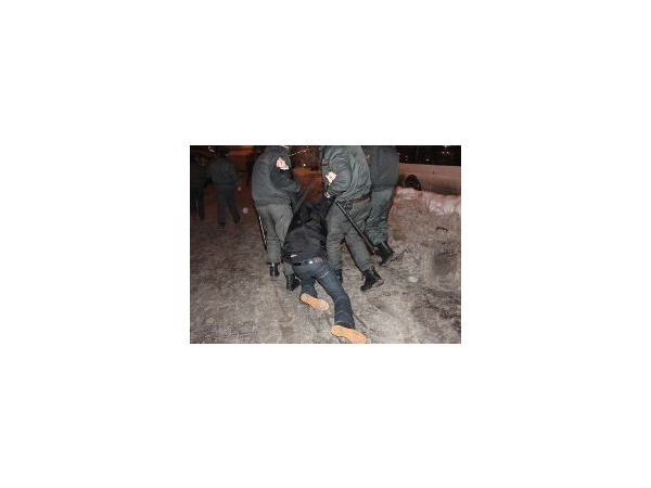 ГУВД: В отделы милиции с Сенной доставлено 60 человек