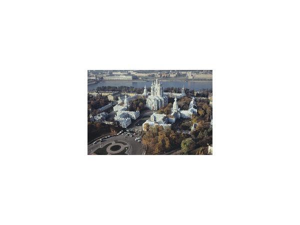 Арбитражный суд заслонит Смольный собор - местами