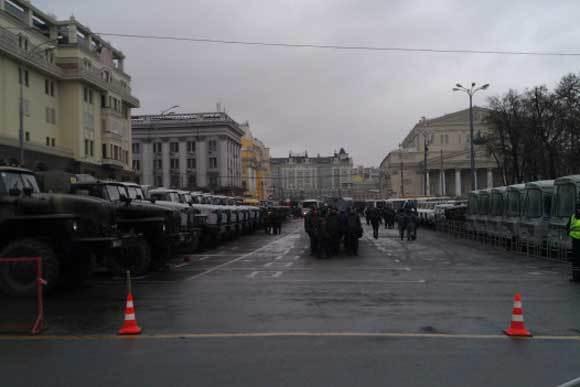 Московская полиция готовится к обеспечению порядка. Фото: s1-05.twitpicproxy.com