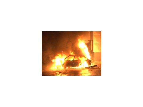 Очевидец: На Энергетиков сгорел брошенный автомобиль