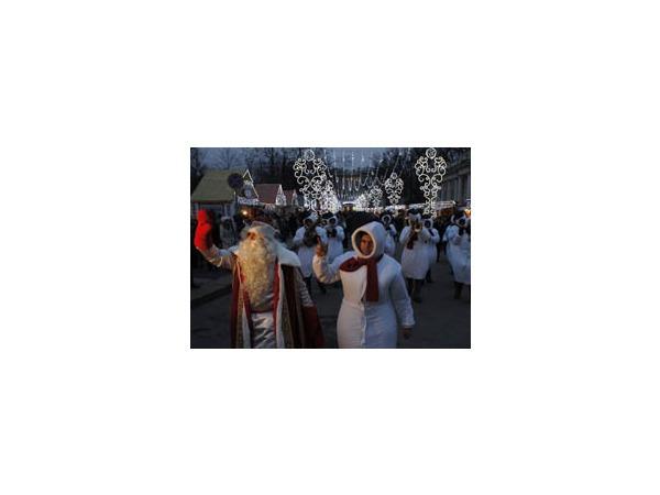 Рождественская ярмарка заговорила на разных языках