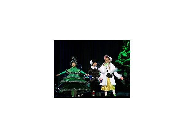 """В """"Октябрьском"""" прошел самый крупный в Петербурге новогодний благотворительный праздник для детей"""