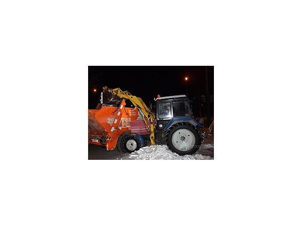 Снегом завалило двух чиновников, остальных спас дождь