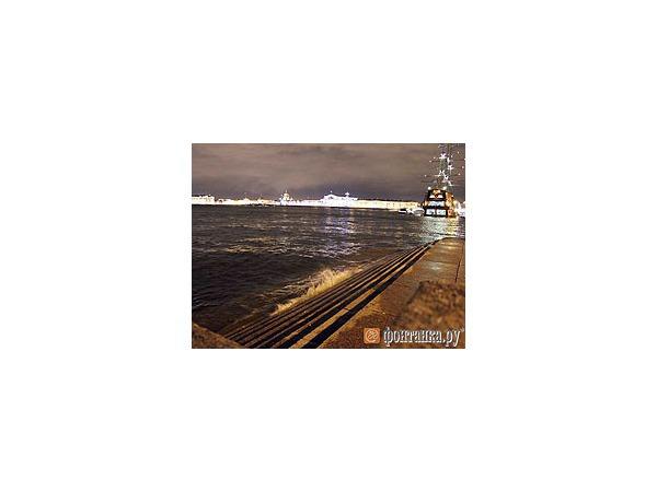 Петербург штормит под Новый год