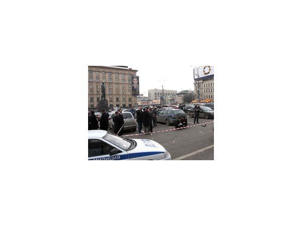 Оппозиция спорит об улице, на какую выйти