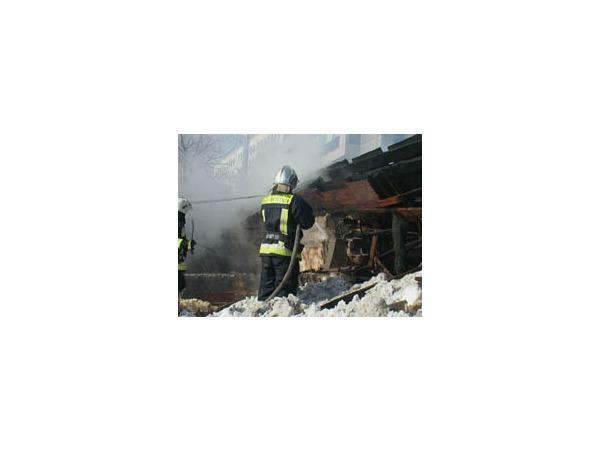 Пожар на складе на Приморском проспекте потушили за полтора часа