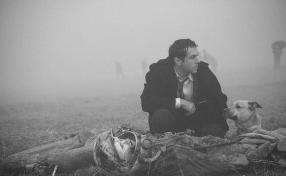 """Кадр из фильма Алексея Германа-младшего """"Бумажный солдат"""""""