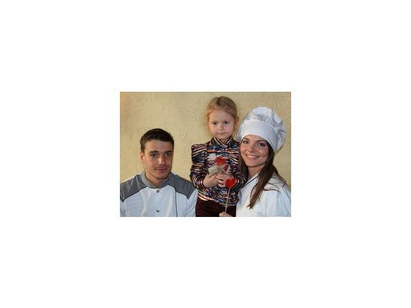 Сладости от Лизы Боярской и Максима Матвеева принесут радость детям