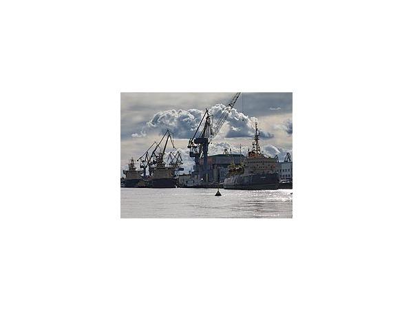 По «Балтийскому заводу» звонит колокол