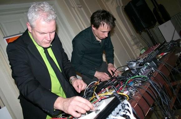 Матс Линдстром (слева)