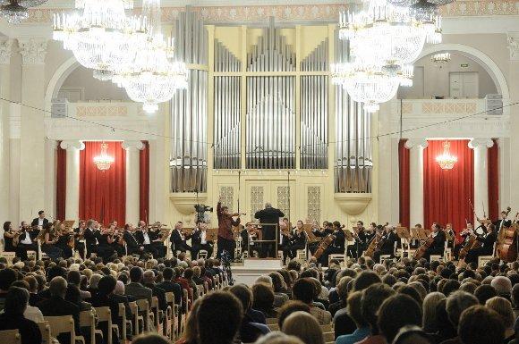 Сказать, что концерт молодых музыкантов-фаворитов публики, не ставших лауреатами нынешнего Конкурса им. П.И.Чайковского, пользовался популярностью, ничего не сказать