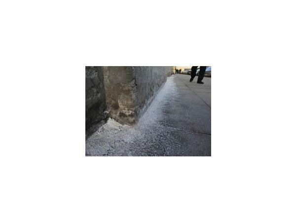 Петербург поменяет соль на хлористый кальций