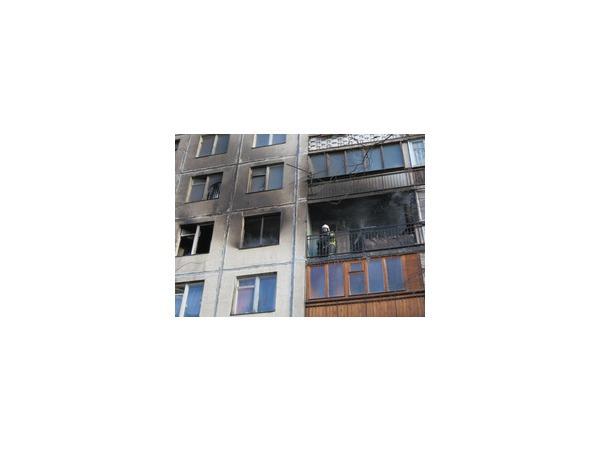 В жилом доме в Альпийском переулке произошел пожар