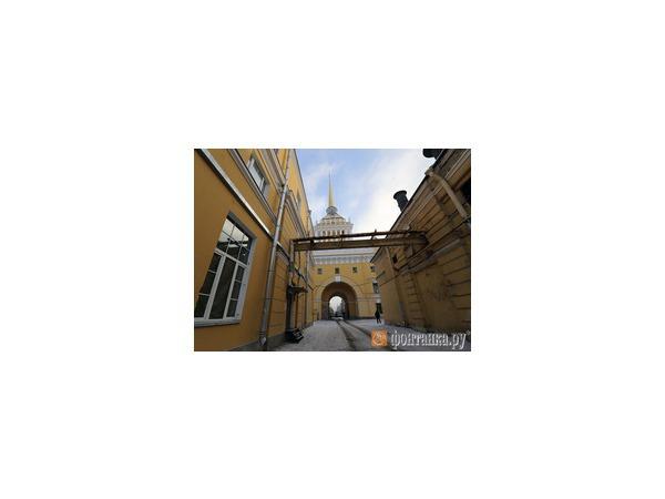 Минобороны накроет Адмиралтейство стеклянной крышей