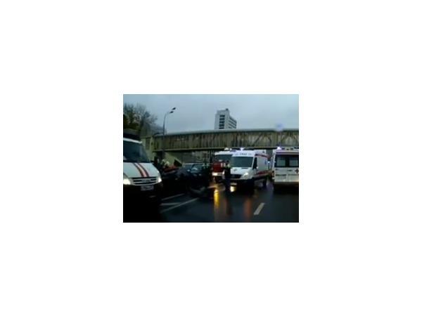 Из-за аварии на Варшавском шоссе 16.10.2014 образовалась пробка длиной в 5 километров