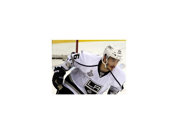 Вячеслав Войнов, арестованный в США по обвинению в домашнем насилии, отпущен под залог и будет ждать судебного заседания 1 декабря. На это время хоккеист НХЛ отстранен от всех матчей