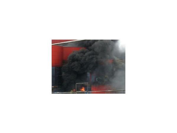 В результате пожара в строящемся ТЦ «Италмас» в Ижевске пострадали пять человек
