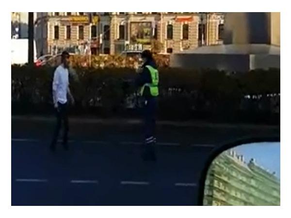 Стрельбу на площади Восстания засняли очевидцы