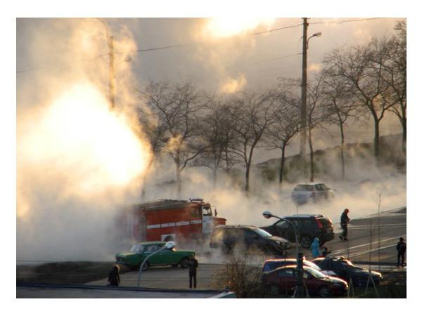 Прорыв трубы произошел на проспекте Славы, 40. Авария локализована