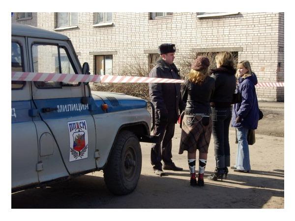 На Маршала Захарова эвакуируют школу