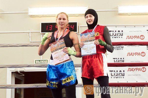 Слева Светлана Михайловская, предоставлено клубом KLETKA