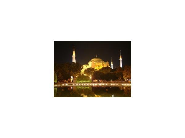 Введение комендантского часа на юго-востоке Турции не отразится на туристах