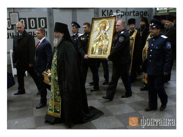 На Московском вокзале отслужили молебен по случаю прибытия мощей Сергия Радонежского