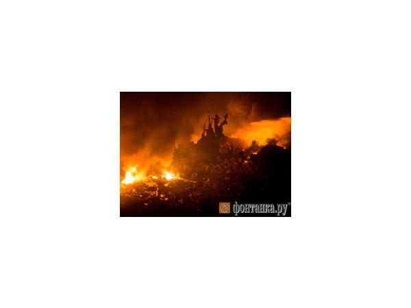Торжество на руинах: Евромайдану исполнился год