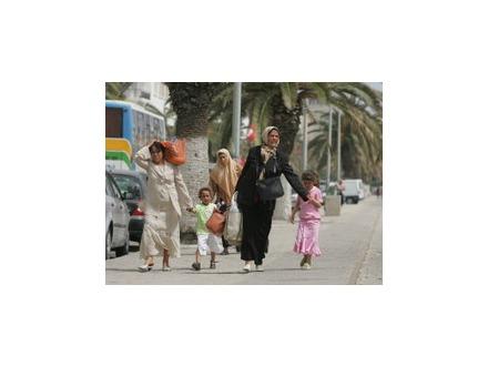 Почему женщины хотят трахаться с неграми арабами турками 4