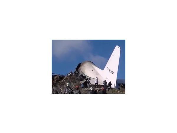 11 февраля в Алжире разбился самолет, выжил один человек