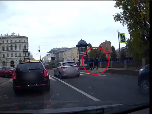 Водитель скинул пешехода в Крюков канал