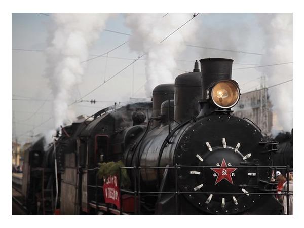 Паровозы начала 20-го века прошли по Петербургу
