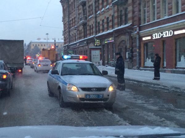 ГИБДД: На Московском из-за прорыва пришлось ограничить движение