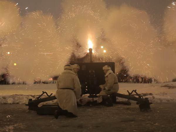 На Марсовом поле повторили легендарный Ленинградский салют 1944 года
