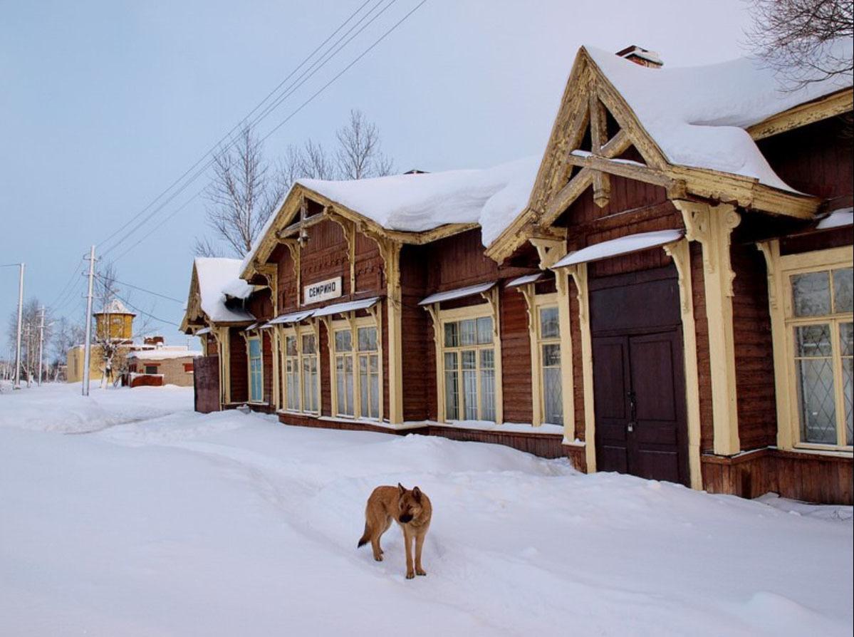 Вокзал Семрино
