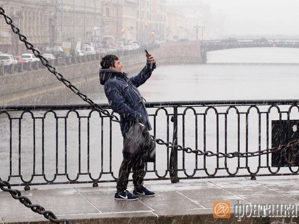 Петербург накрыло мокрым снегом