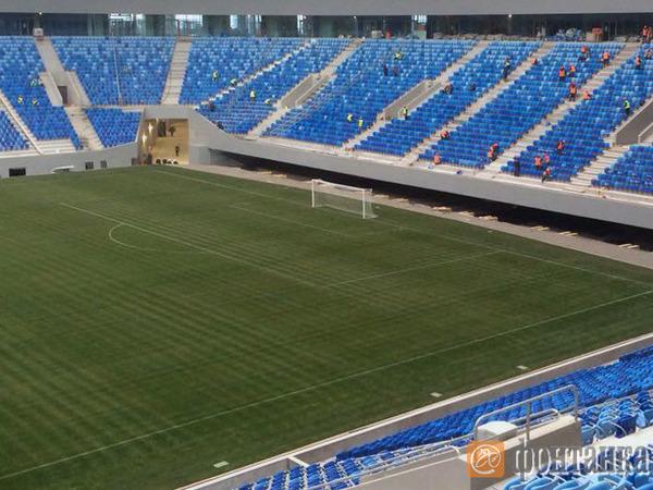 Стадион на Крестовском разметили и поставили ворота